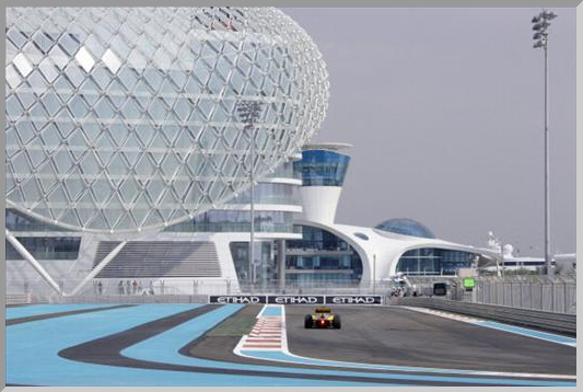 2010, Yas Marina Cirquit, Abu Dhabi Grand Prix (Photo by Rainer W. Schlegelmilch/Getty Images)
